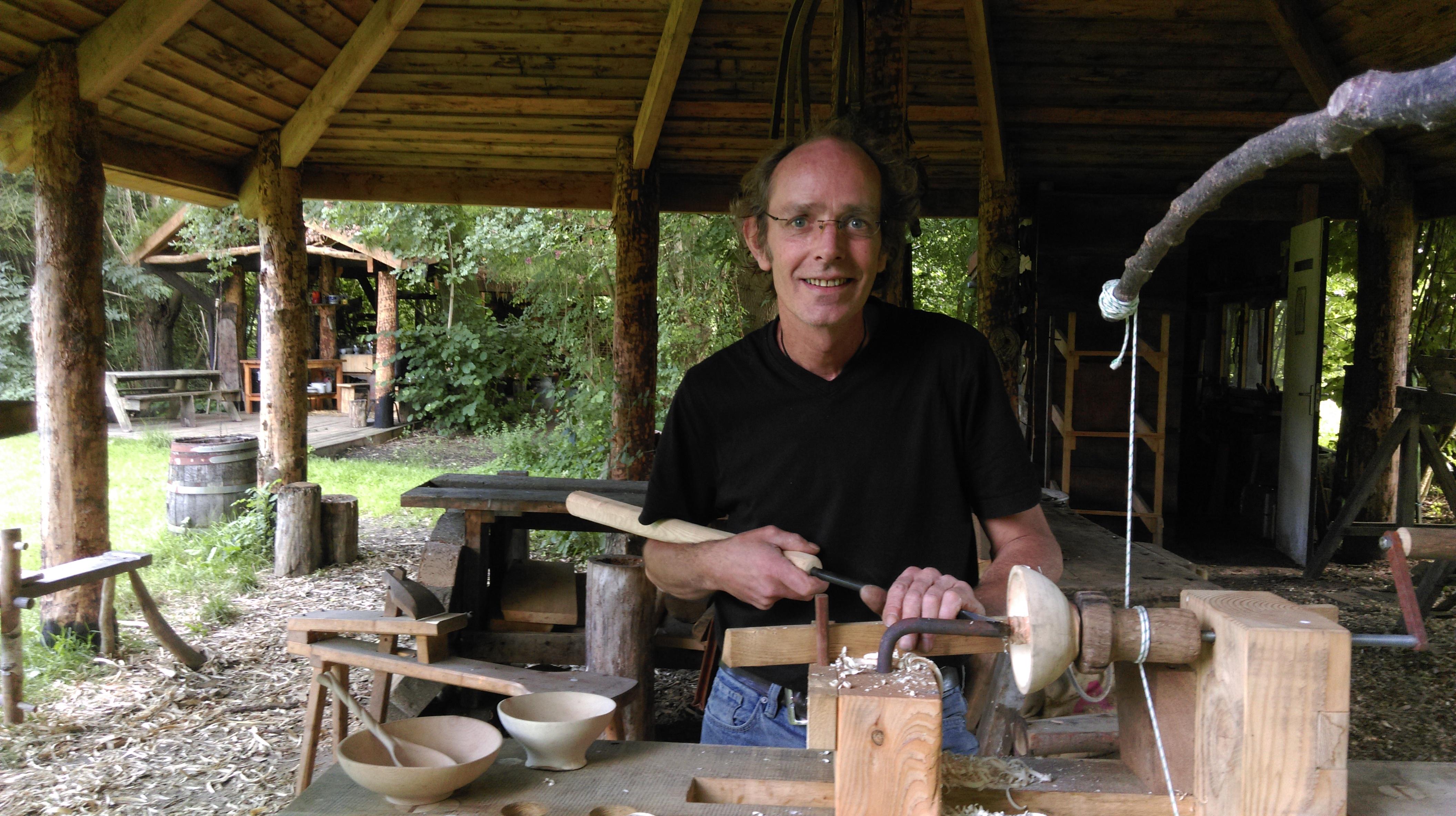 Imag0738 workshops in de natuur - Steen ijzer smeden ...
